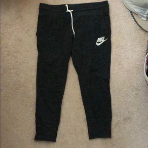 Nike Capri joggers size M